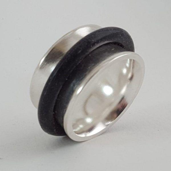 Statement Art Jewelry Tamagit Silvia Serra